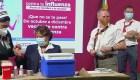 Hugo López-Gatell se vacuna contra la influenza en conferencia de prensa