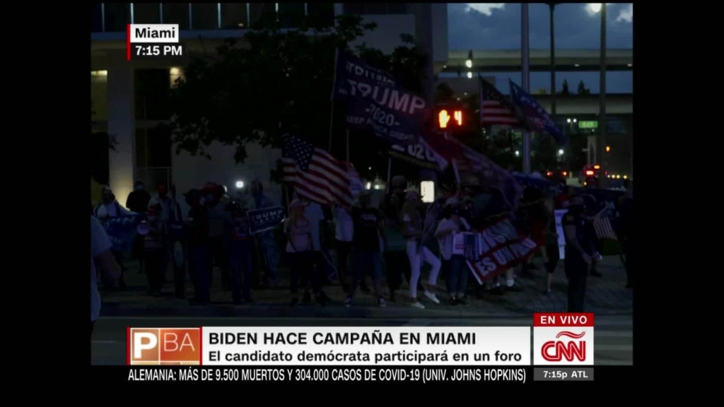 Biden continúa su campaña con un foro en Miami