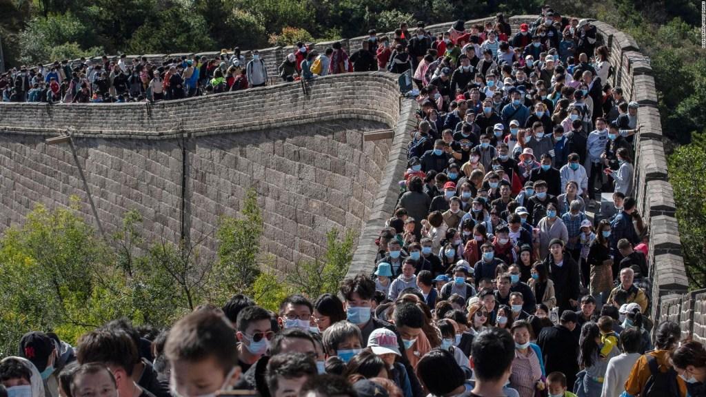 La muralla china abarrotada de gente en plena pandemia