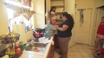 Esta madre perdió su empleo por la pandemia y depende de donaciones