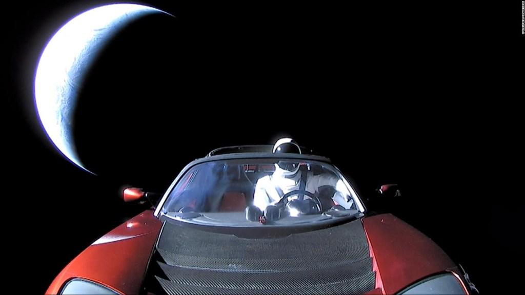 El Tesla de Elon Musk se acerca a Marte