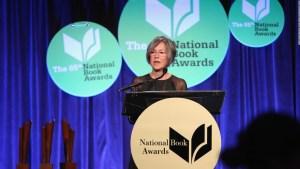 Una poetisa de EE.UU. recibe el Premio Nobel de Literatura2020