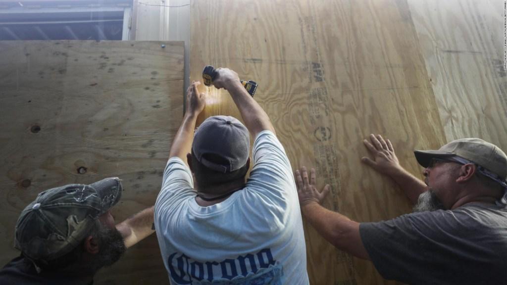 Louisiana en alerta roja por marejadas ciclonicas de hasta 3 metros
