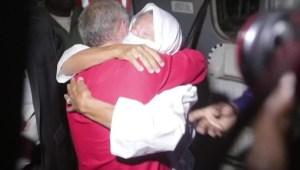 Una madre se reúne con su hijo tras años de cautiverio