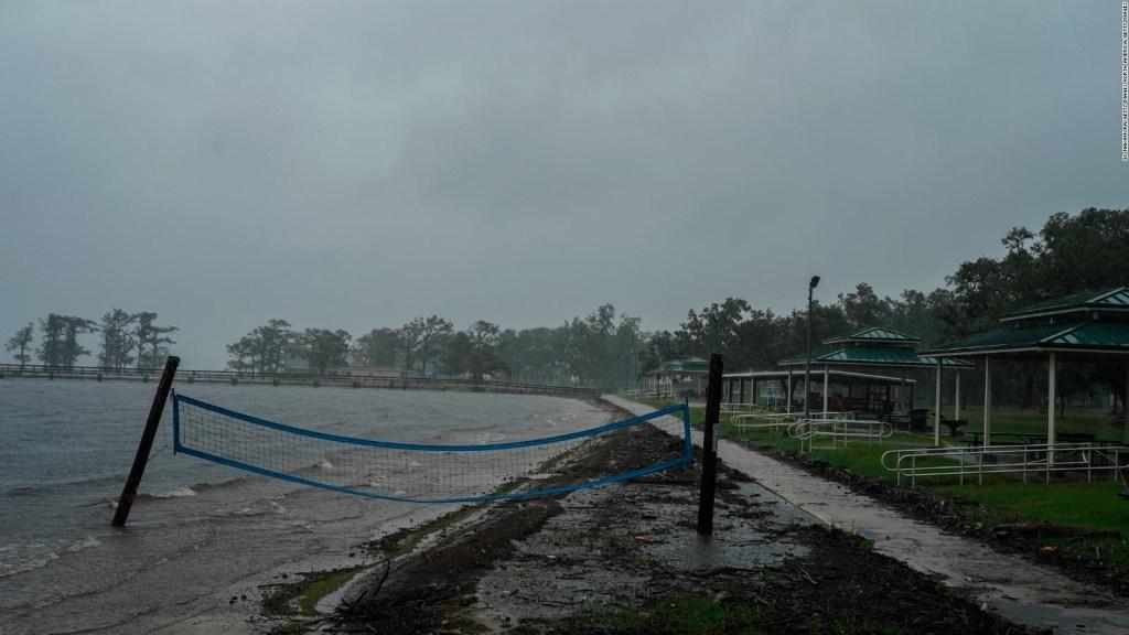 """Delta toca tierra en Louisiana y se une a una temporada de huracanes """"histórica"""""""
