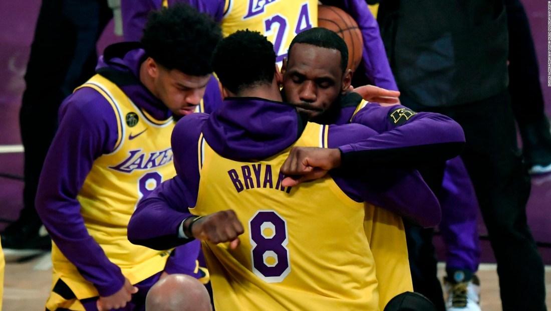 Los Lakers, campeones de la NBA, recuerdan a Kobe Bryant