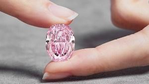El diamante rosa-morado de $38 millones de dólares