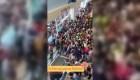 Desata polémica avalancha de personas en tienda de Brasil