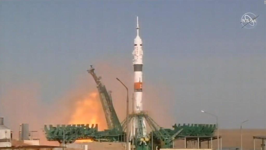 Nueva tripulación viaja a la Estación Espacial Internacional