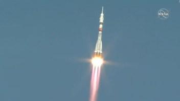 Firman histórico acuerdo sobre exploración espacial