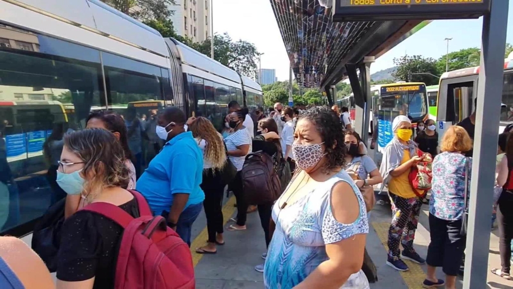 Aglomeraciones marcan la reapertura económica en Brasil