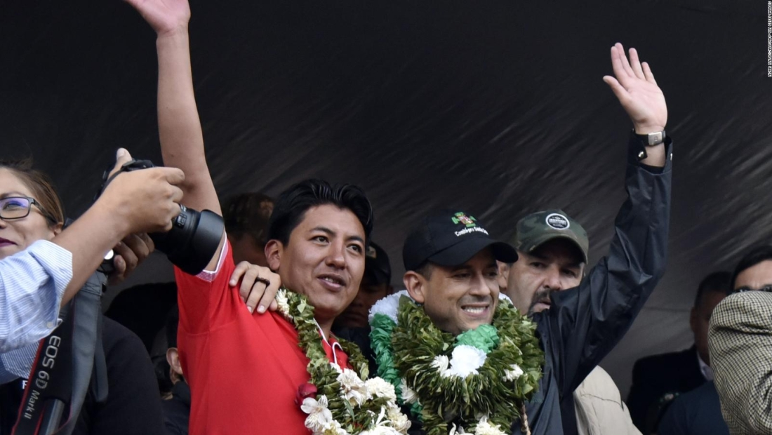 Senador le pide a Camacho y a Pumari salir de la contienda