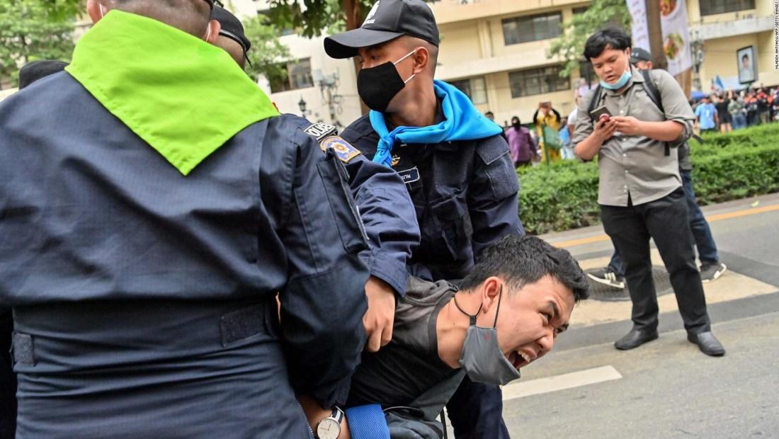 Un decreto en Tailandia prohíbe las manifestaciones