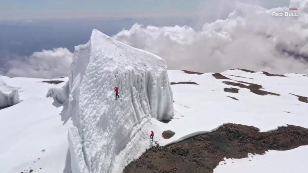Escalador advierte que se derrite hielo del Kilimanjaro