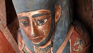 Arqueólogos encuentran sarcófagos sellados en Egipto