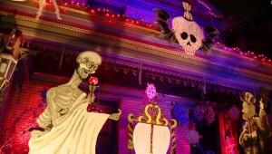 Covid-19 inspira decoraciones de Halloween