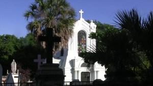 Un canto a los muertos desde un panteón de Oaxaca