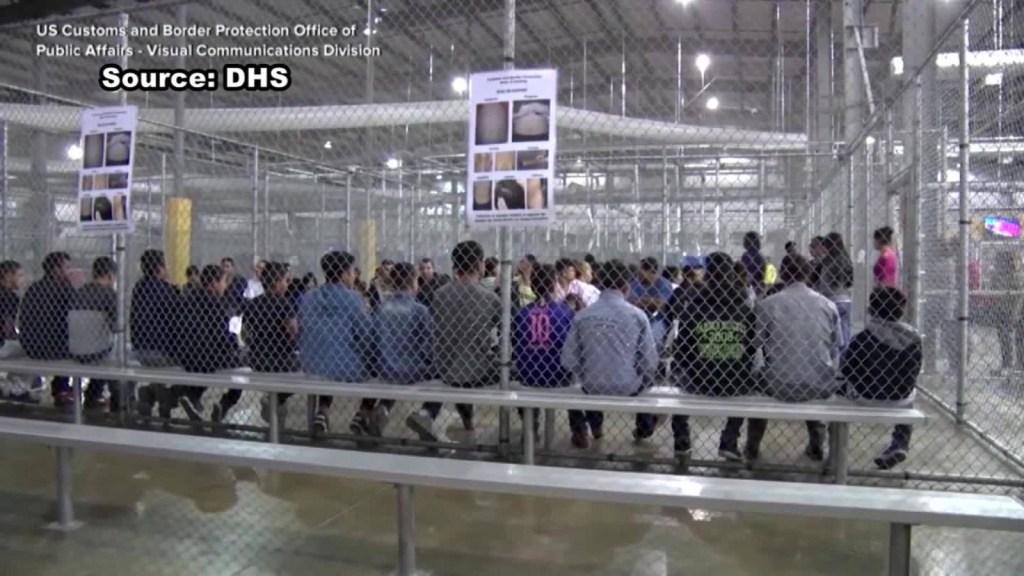 Cientos de niños fueron separados de sus padres