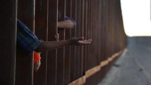 Las tácticas de Trump para separar familias inmigrantes en la frontera sur de EE.UU.