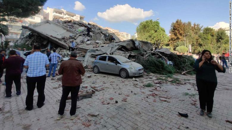 Terremoto de magnitud 7,0 deja varios muertos en Turquía