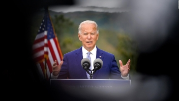 Joe Biden sigue 10 puntos por encima de Donald Trump