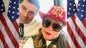 """Pareja latina en Arizona apoya a Trump """"porque ama el país"""""""