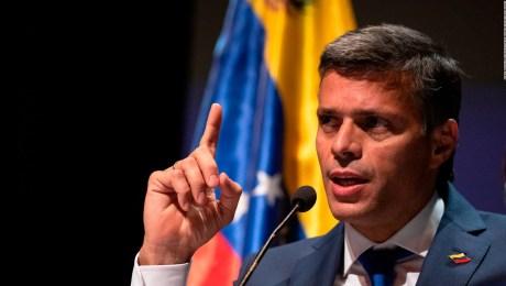 ¿Por qué Leopoldo López optó por el exilio justo ahora?