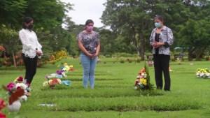Honran a sus seres queridos que fallecieron por covid-19