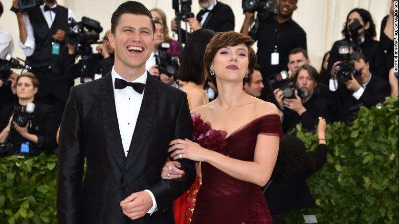 Scarlett Johansson se casa en secreto con Colin Jost de «SNL»