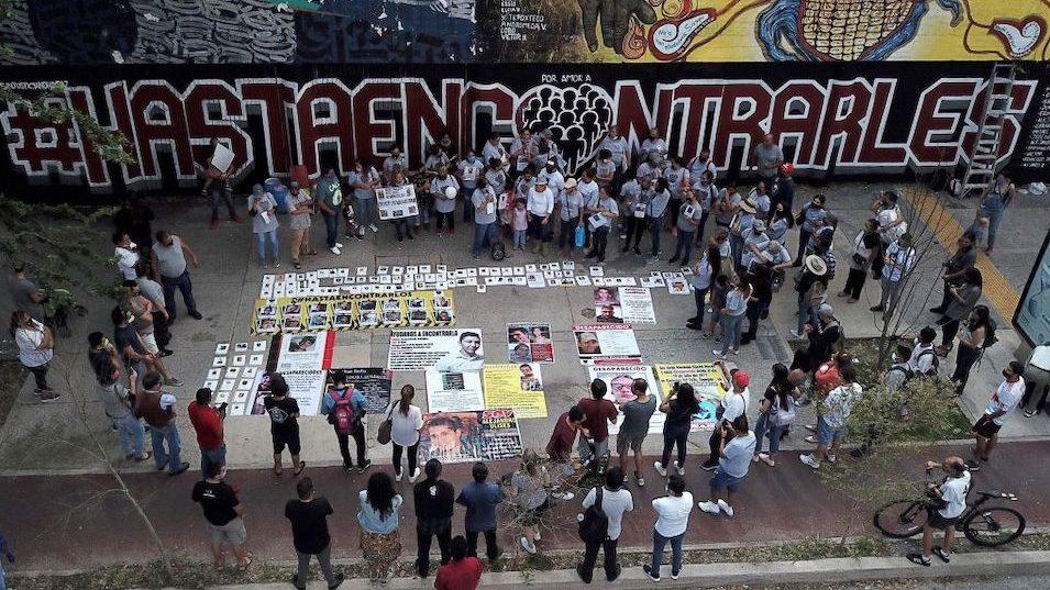 Encuentran 59 cuerpos en fosas clandestinas en Guanajuato, México
