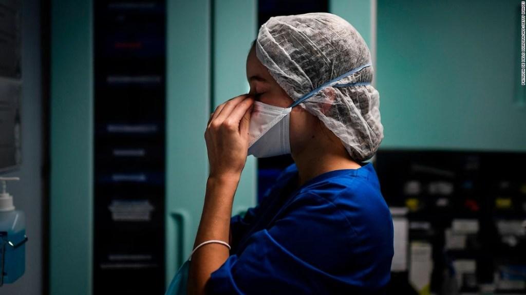 Por qué las muertes no aumentan tan rápido en la segunda ola de covid-19, a pesar de los picos de nuevas infecciones