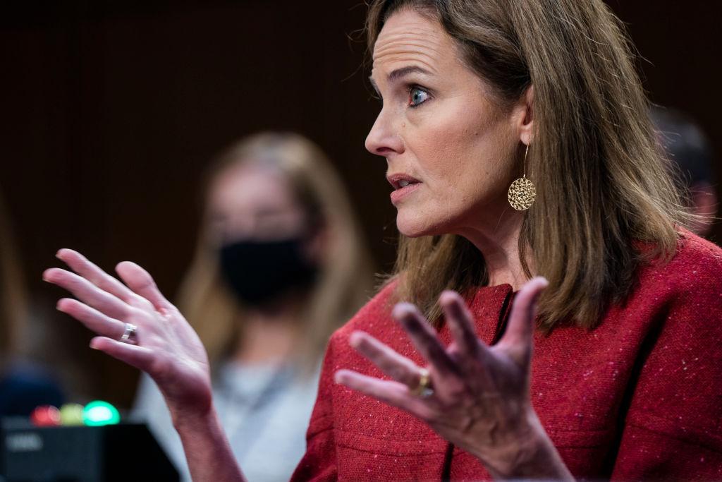 Amy Coney Barrett responde a cuestionamientos de demócratas