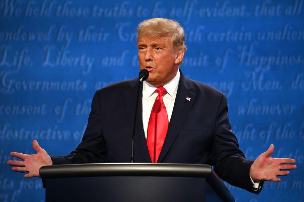 Así usó Trump sus primeros dos minutos en debate final