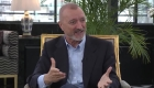 Oppenheimer conversa con Pérez-Reverte y Manolo Valdés