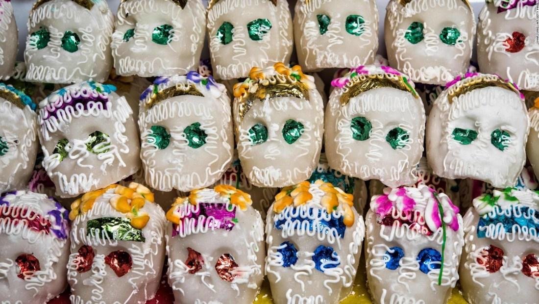 México conmemora el Día de Muertos a pesar del covid-19