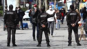 Turquía impone medidas más estrictas contra el covid-19