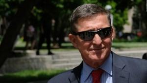 El presidente Trump otorga perdón a exasesor Michael Flynn