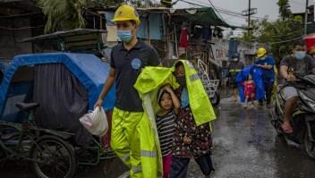 El supertifón Goni golpea con fuerza a Filipinas