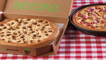 Pizza Hut agrega carne de plantas de Beyond Meat a su menú