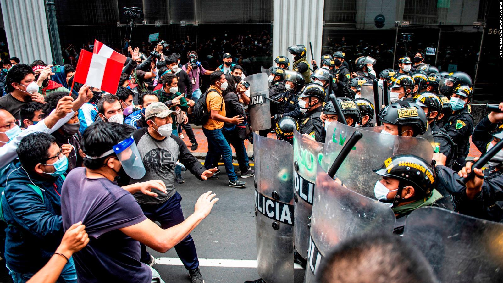 Protestas e incidentes en Perú por la destitución de Martín Vizcarra |  Video | CNN