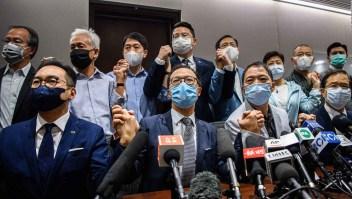 Renuncian legisladores opositores en Hong Kong