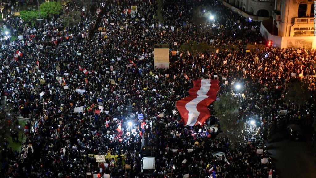 Siguen protestando en Perú por la destitución de Vizcarra
