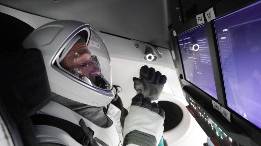 Lanzamiento de SpaceX Crew-1 retrasado un día