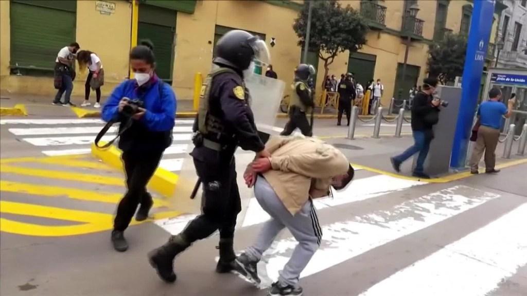 El presidente del Congreso de Perú critica a la policía