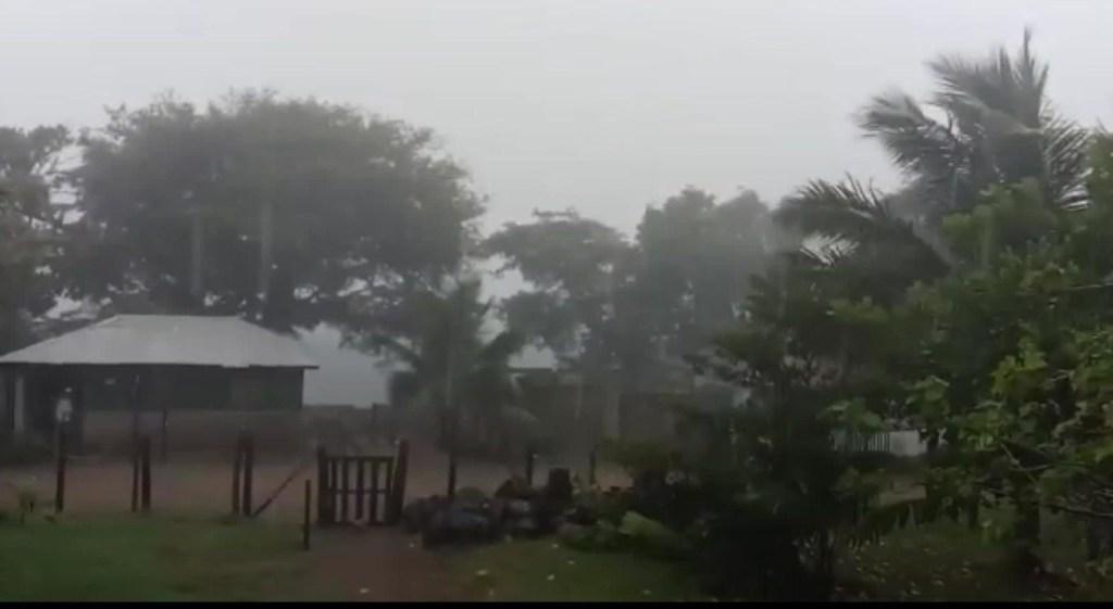 Honduras está bajo alerta roja por el huracán Iota
