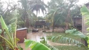 Iota amenaza con más inundaciones y deslaves