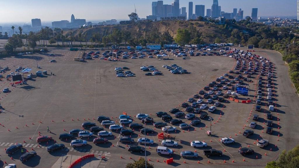 Los Ángeles pasará Acción de Gracias bajo toque de queda