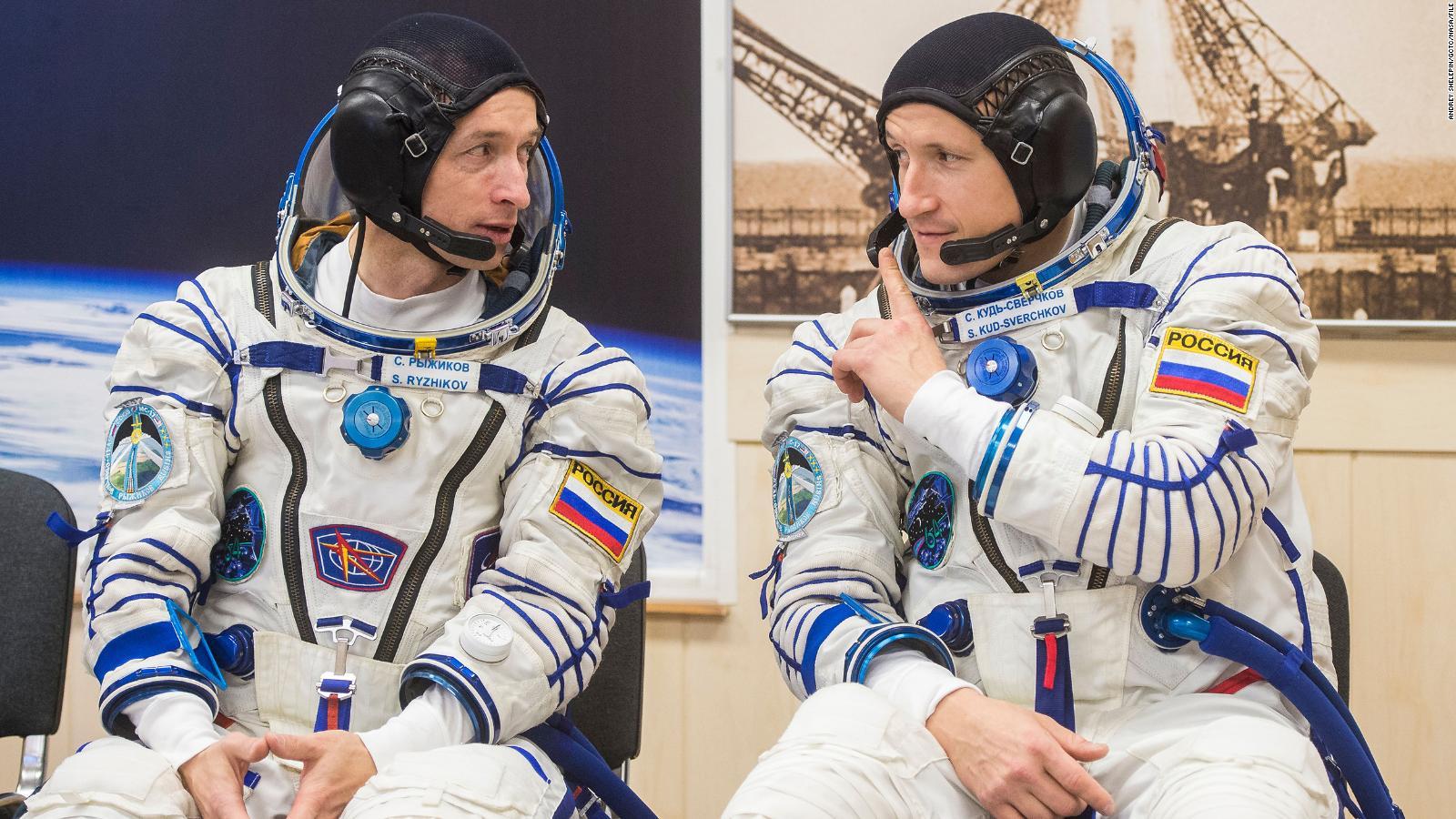 Caminata de astronautas rusos prepara a la estación espacial para nuevo  módulo | Video | CNN