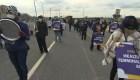 Trabajadores de aeropuertos exigen seguro médico