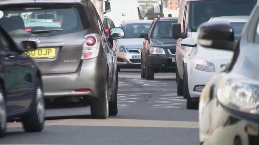 El Reino Unido prohibirá venta de algunos automóviles